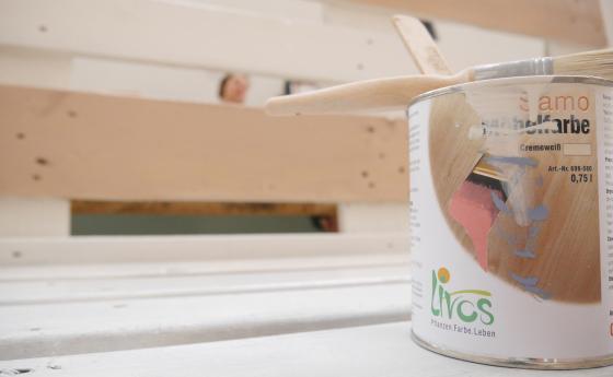 Livos(リボス)自然健康塗料の缶の写真