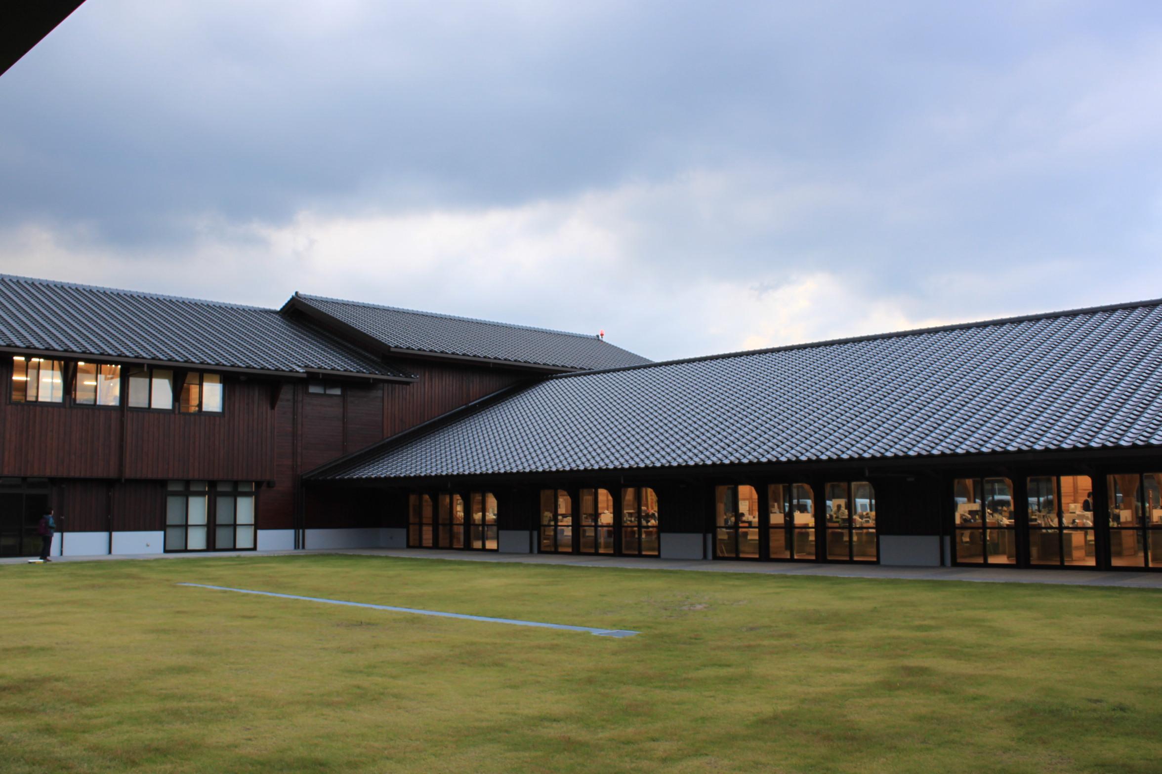 屋久島新庁舎外観