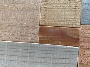 テーブル木片はめ込み後