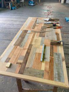 テーブル天板はめ込み完成