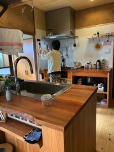 桜のキッチンカウンター